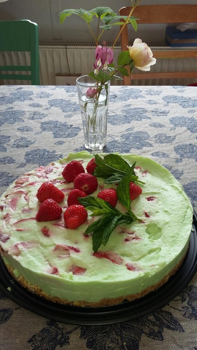 erdbeer waldmeisterkuchen 2