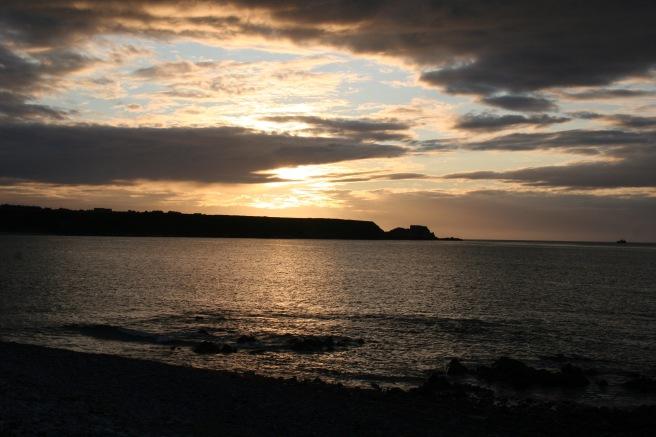 Blick von unserem Hostel am Hafen in Cullen