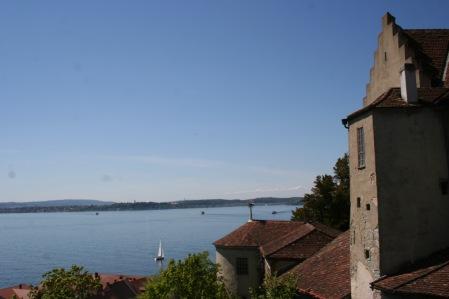 Blick am mittelalterlichen Burgteil vorbei