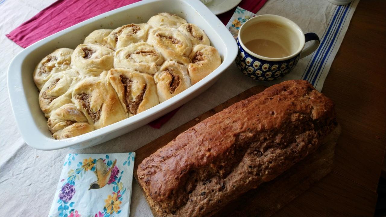 WELTFRIEDEN Brot und Schnecken